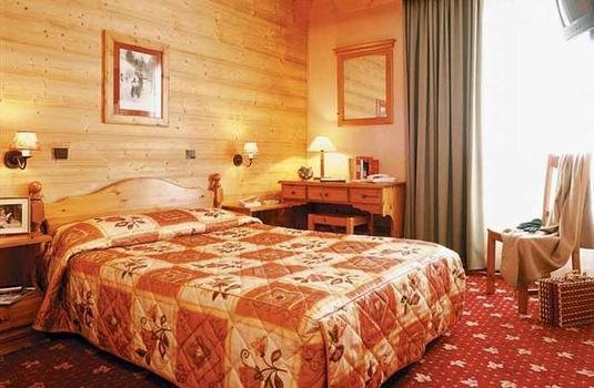 Resort carousel hotel le sherpa val thorens 2