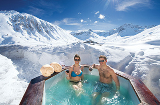 hot tub at chalet atlas in France Tignes