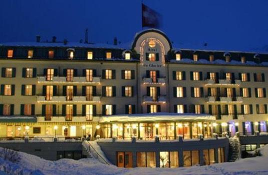 Resort carousel hotel du glacier ext night