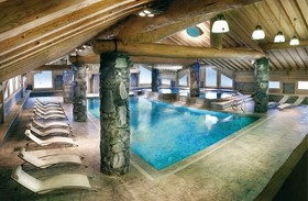 Les Cimes Blanches pool in La Rosiere France