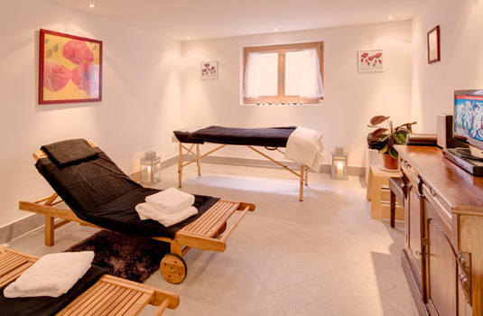 Chalet Ulysse massage room