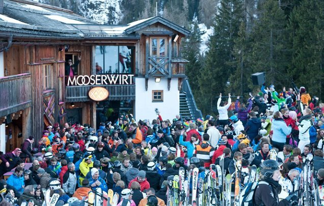 Party In Your Apres Ski Boots Mooserwirt Ski Solutions