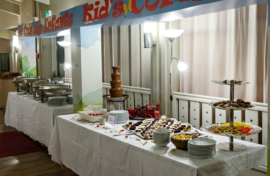 Resort carousel le golf buffet