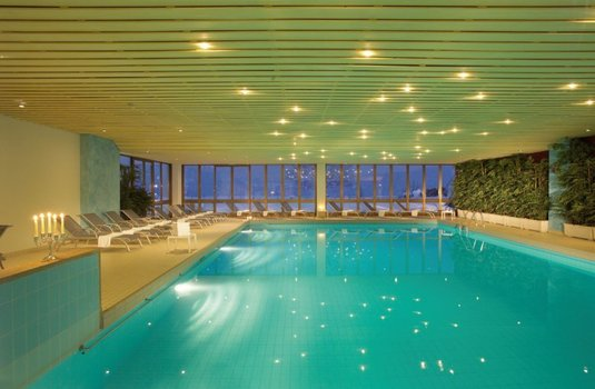 Resort carousel wellness hotel sunstar grindelwald hallenbad pool