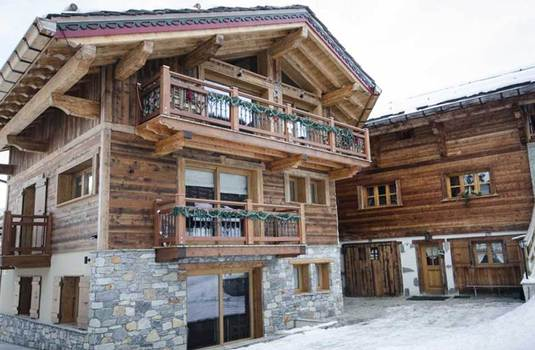 Exterior of the ski chalet Emilie in Courchevel
