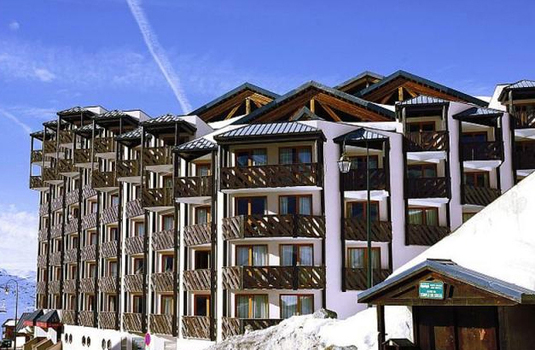 Exterior of Le Tikal Residence by winter in Val Thorens