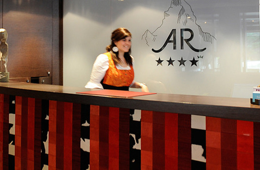 Resort carousel hotel albana real front desk