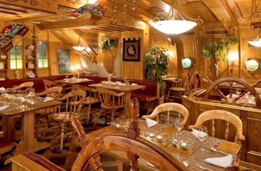 Resort carousel hotel albana real restaurant