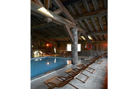 Resort carousel les alpages du chantel les arcs pool2