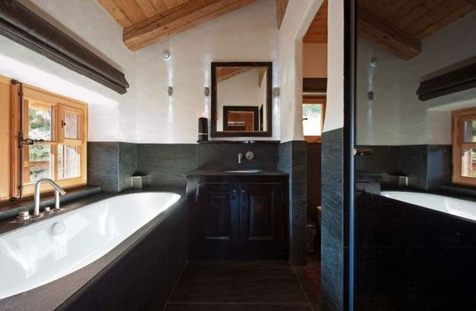 Resort carousel chalet tigre verbier bathroom