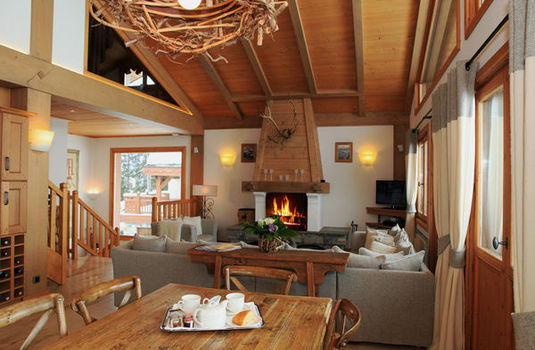 Chalet Marmotte Couchevel Dining Room