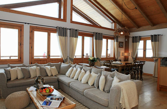 Chalet Marmotte Couchevel Sitting Room