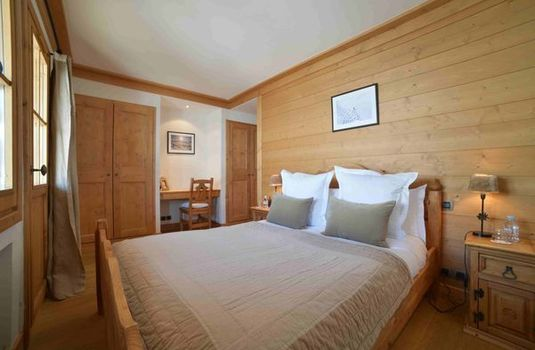 Chalet Marmotte Couchevel Bedroom