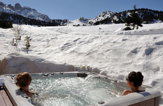 Chalet Marmotte Couchevel Hot Tub