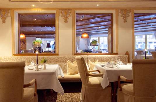 Resort carousel hotel trofana royal dining 2