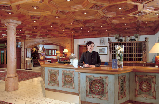Resort carousel hotel trofana royal front desk
