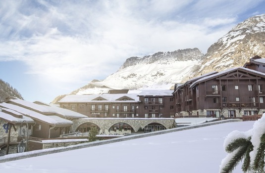 Resort carousel club med val d isere exterior