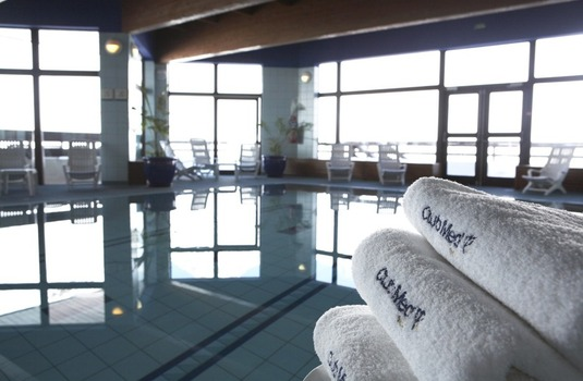 Resort carousel club med tignes pool