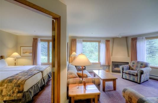 Resort carousel cahilty lodge sun peaks 2 bedroom suite