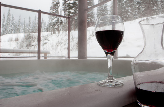 Resort carousel cahilty lodge sun peaks hot tub