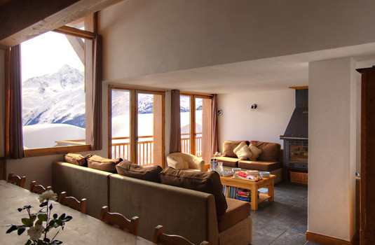 Resort carousel chalet papillon 6 la rosiere living room