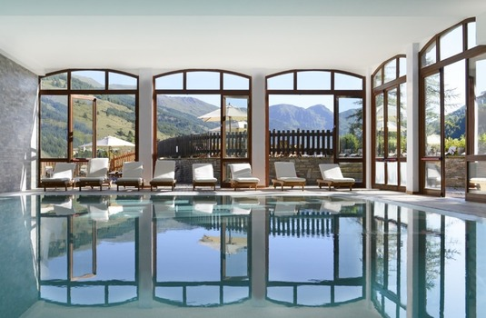 Resort carousel club med pragelato vialattea milky way pool