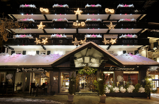 Resort carousel hotel mont blanc megeve exterior