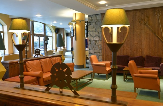 Resort carousel club med serre chevalier lounge