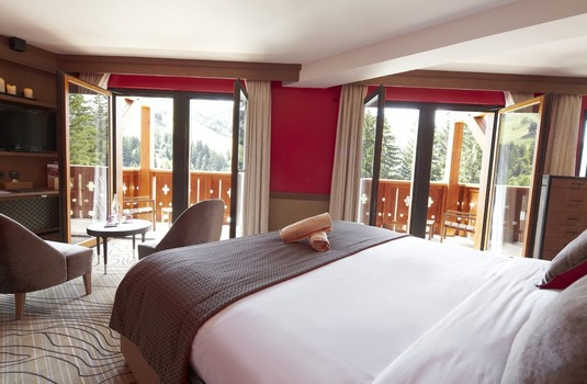 Resort carousel club med valmorel bedroom2