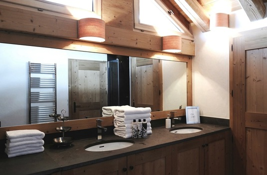 Chalet Sarire | Val D'Isere | France | Bathroom |