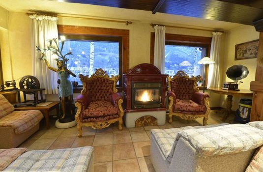 Resort carousel hotel stella del nord courmayeur italy fire