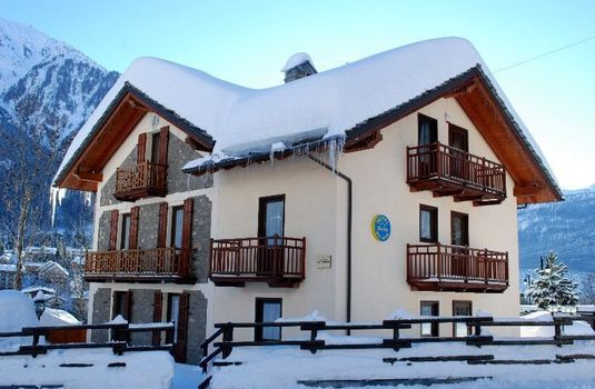 Resort carousel hotel stella del nord courmayeur italy exterior