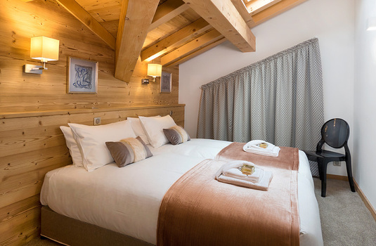 Resort carousel chalet kenai morzine france bedroom2