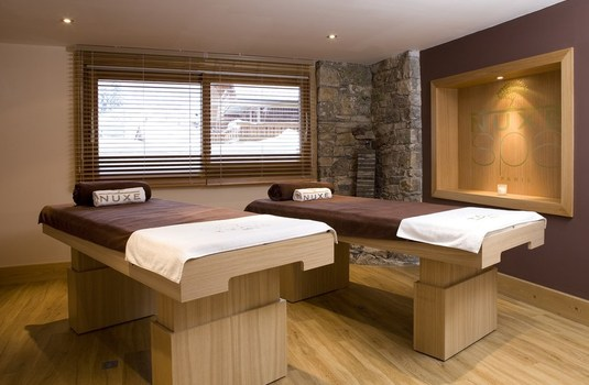Resort carousel hotel la chaudanne meribel spa