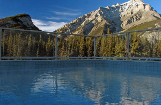 Resort carousel inns of banff rooftop pool