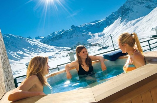 Resort carousel chalet arktic outdoor hot tub