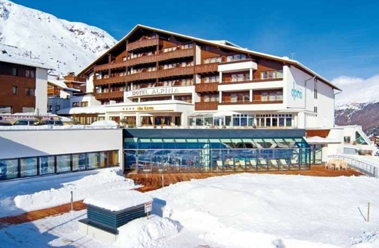 Resort carousel hotel alpina ext