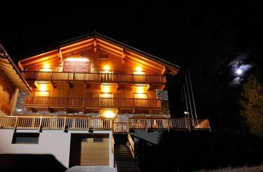 Resort carousel hotel de gletscher  night time exterior