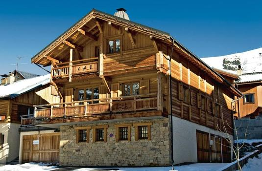 Chalet Chartreuse Exterior