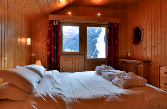 Chalet Sorbier, Meribel - Bedroom