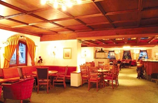 Resort carousel hotel arlberg bar lounge 2