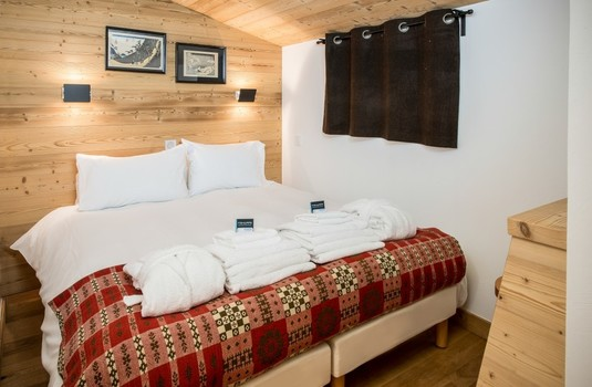 Resort carousel chalet arbe meribel france bedroom