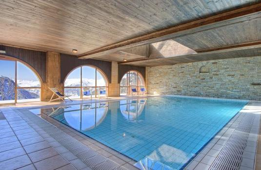 Resort carousel les balcons de belle plagne pool