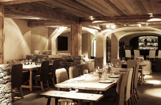 Resort carousel le chalet zannier dining