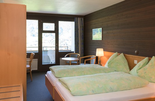 Jungfrau Lodge Bedroom 2