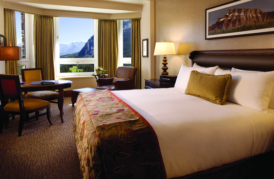 Fairmont Banff Springs - Gold Deluxe Mountain View Guestroom