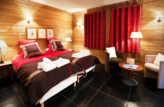 Resort carousel chalet la vieille forge bedroom