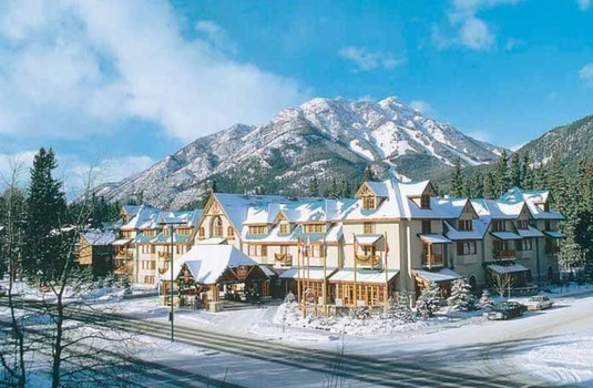 Resort carousel caribou ski   spa lodge ext 2
