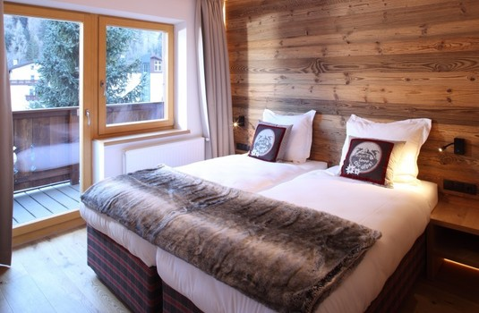 Resort carousel chalet valluga bedroom