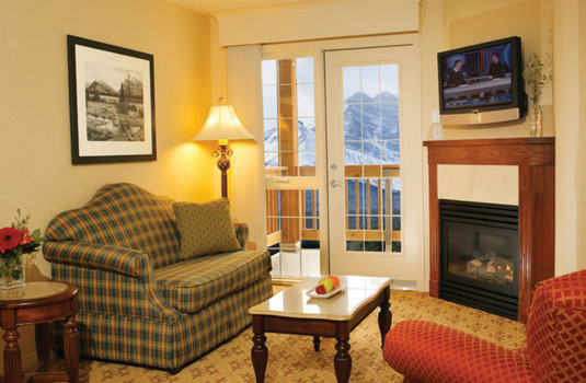 Resort carousel lake louise inn bedroom suite lounge